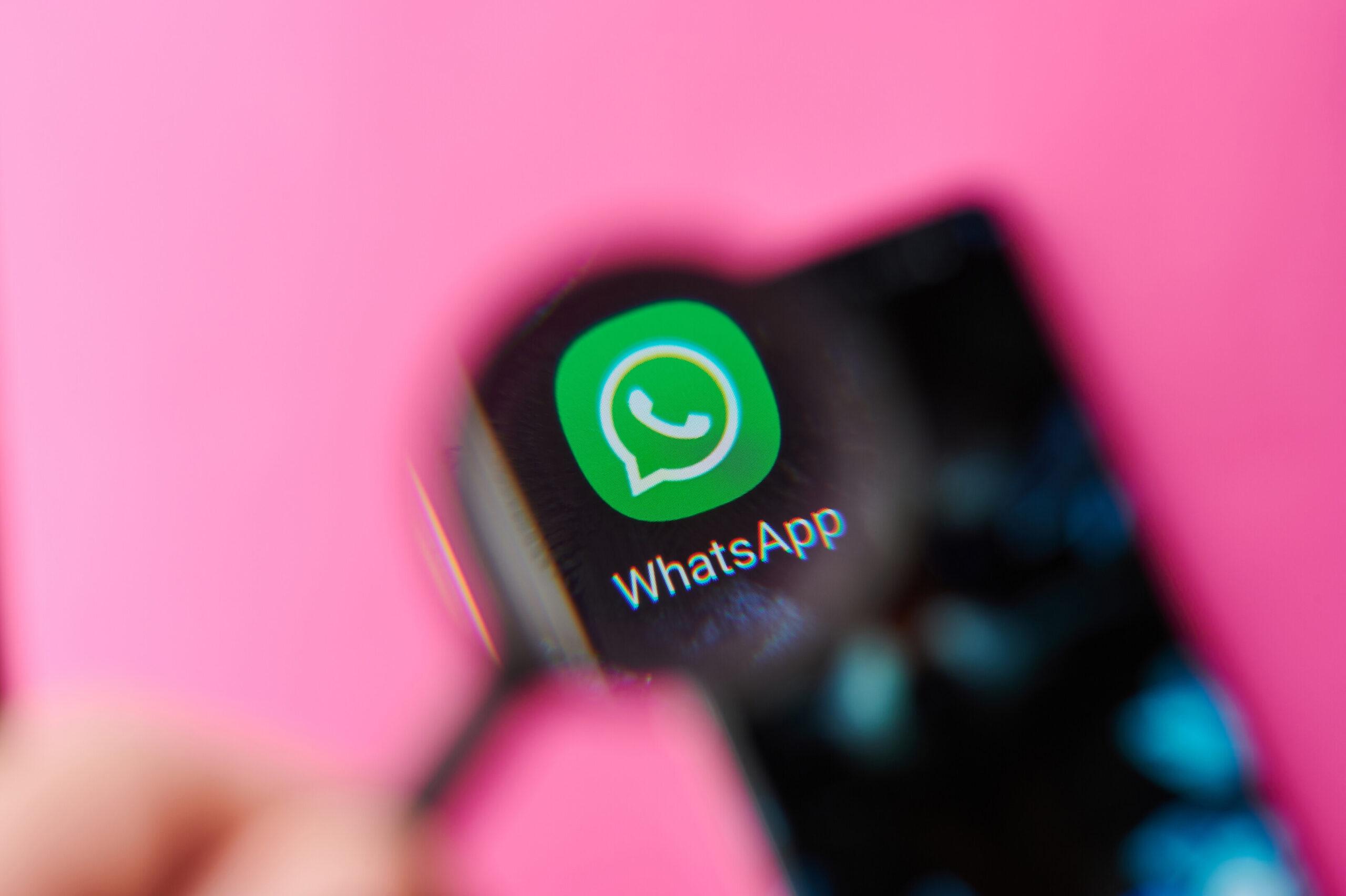 Pembe WhatsApp