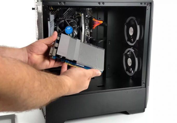 Intel Iris Xe DG1 ekran kartı performans testi