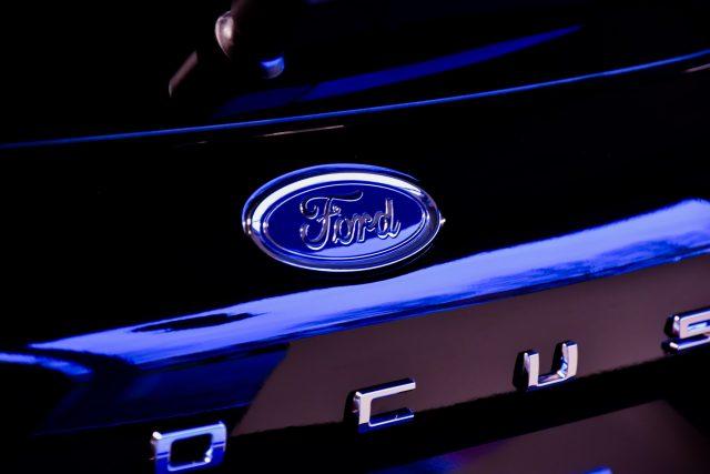 Ford, Apple Otomobil Projesinin Yöneticisini İşe Aldı